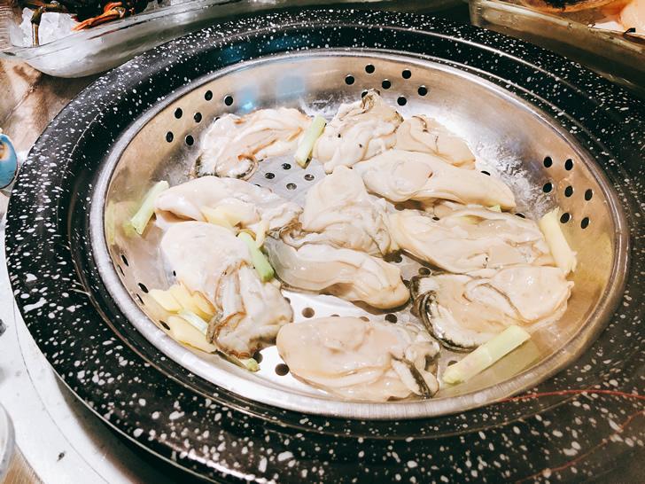 香港オフ会で堪能した海鮮蒸の牡蠣